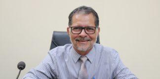 Anchieta - Beto Caliman solicita reforma de quadra poliesportiva e informações ao Executivo