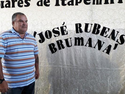 Professor José Rubens é homenageado em Jogos Escolares