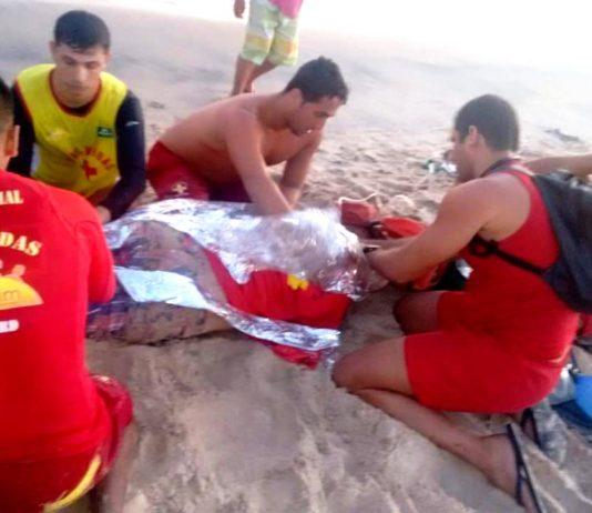 Homem é salvo por guarda-vidas em praia de Itapemirim após tentativa de suicídio