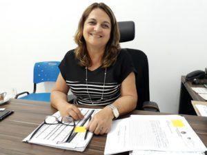 Secretária de Educação de Marataízes, Maria da Penha Louback