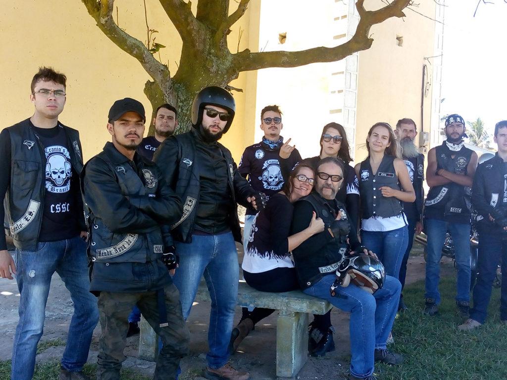 Moto Clube Crânios e suas motos voadoras