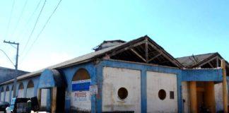 Mercado Municipal de Peixes em Marataízes interditado pela Defesa Civil causa prejuízos a peixeiros