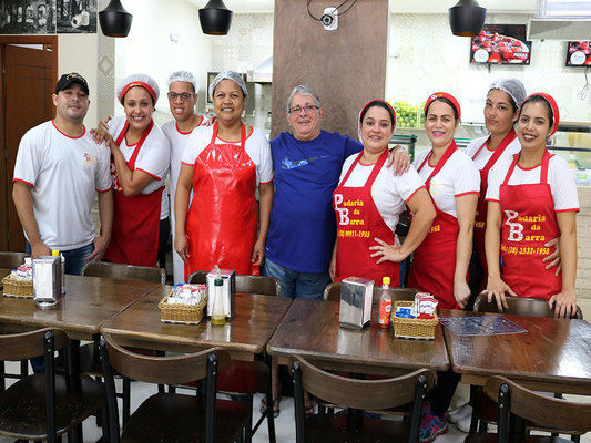 Equipe da Padaria da Barra em Marataízes