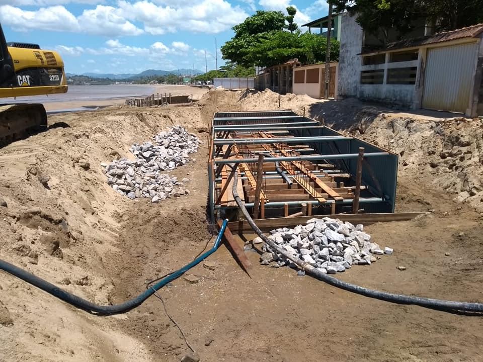 Obras em andamento na Ponta dos Castelhanos em Anchieta