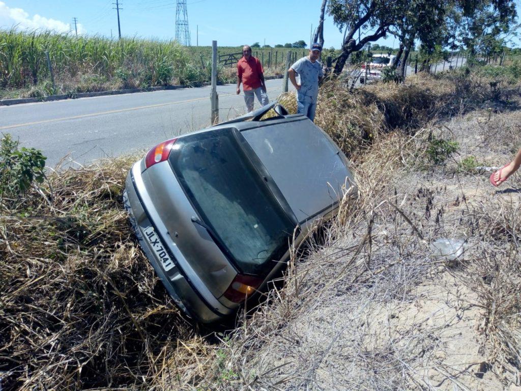 Acidente em estrada que liga Marataízes a Itapemirim fere motorista