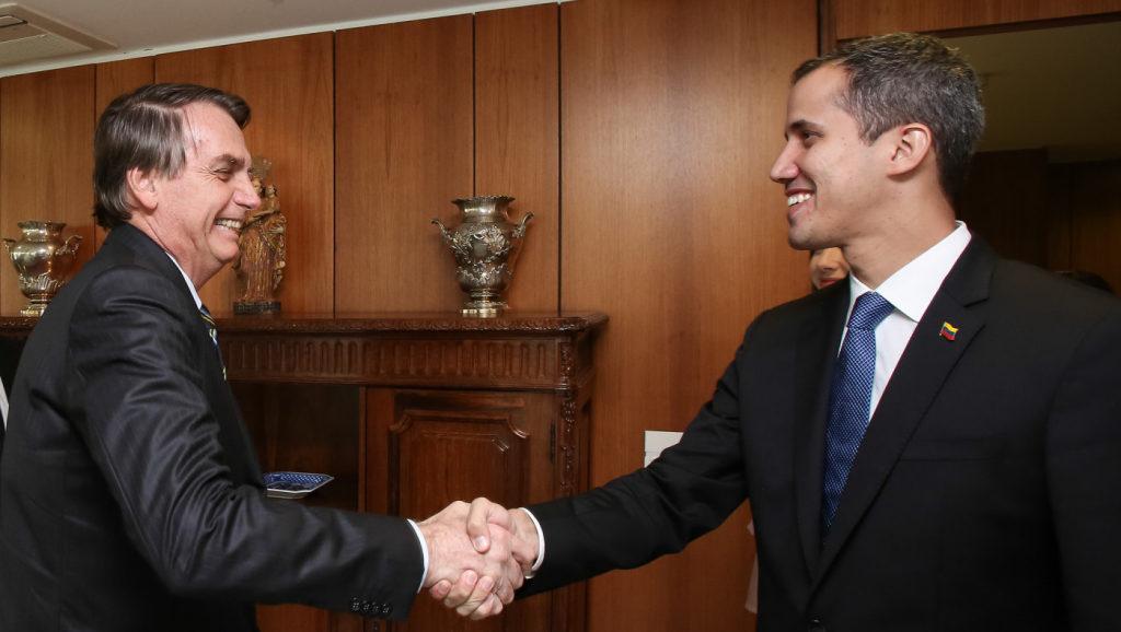 Bolsonaro recebe Juan Guaidó e defende democracia na Venezuela