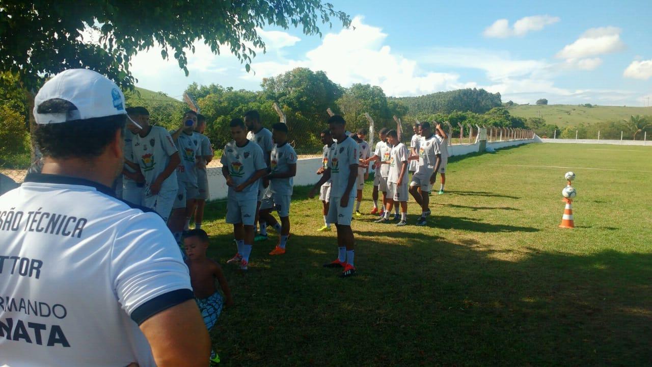 Atlético Itapemirim intensifica treinamento para clássico contra o Estrela