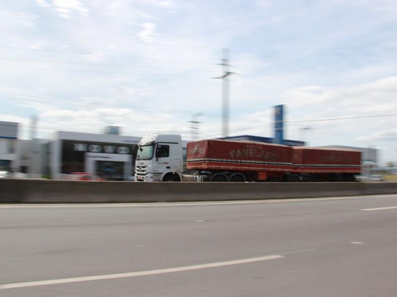 Vencimento do IPVA para veículos pesados começa na quarta-feira (13)