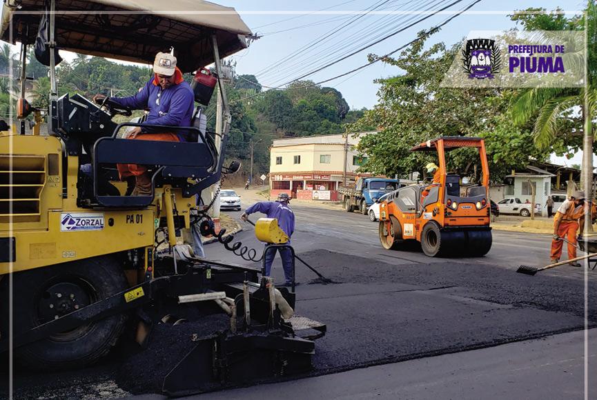 Piúma realiza pavimentação asfáltica em ruas do município