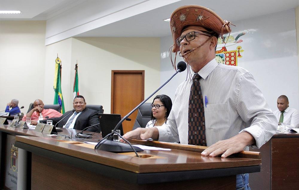 Saiba por que Beto Caliman usou chapéu de couro em Protesto contra prefeito de Anchieta