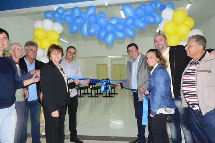 Prefeito de Marataízes inaugura ESF em Cidade Nova