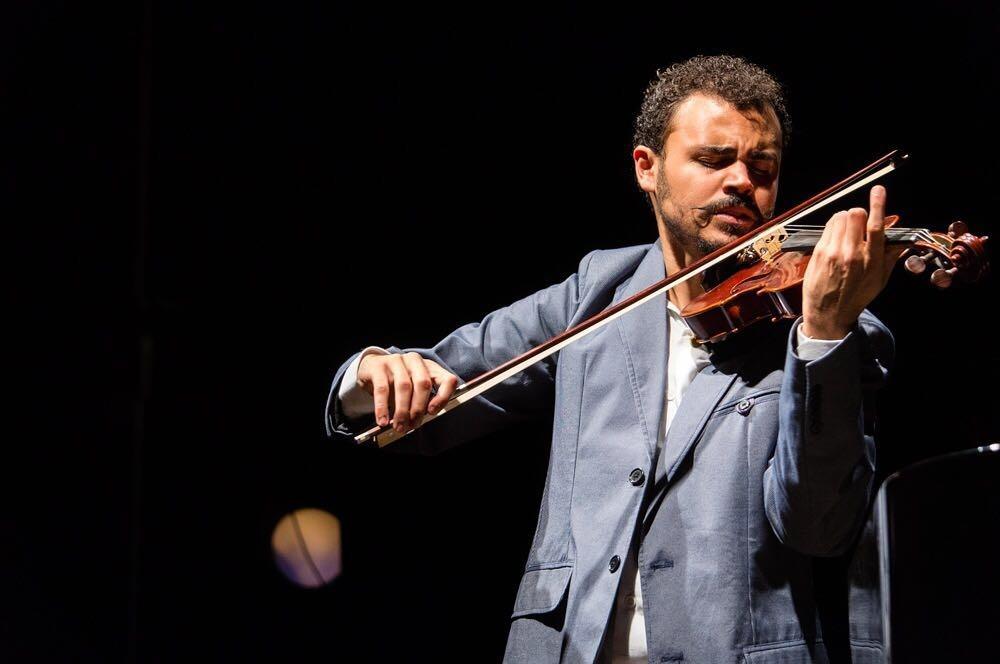 Maestro João Felipe da Fraga se apresenta na Festa das Neves nesta quarta-feira (31)