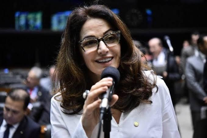Nome de Norma Ayub é cogitado para prefeita de Marataízes em 2020