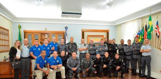 Equipe que atua em resgate de bebê é recebida pelo comandante-geral da PMES