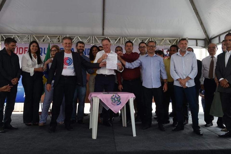 Governo do Estado realiza entregas e assina convênio em Aracruz