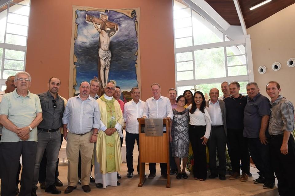 Governador acompanha inauguração de novo acesso ao Santuário Nossa Senhora da Saúde, em Ibiraçu